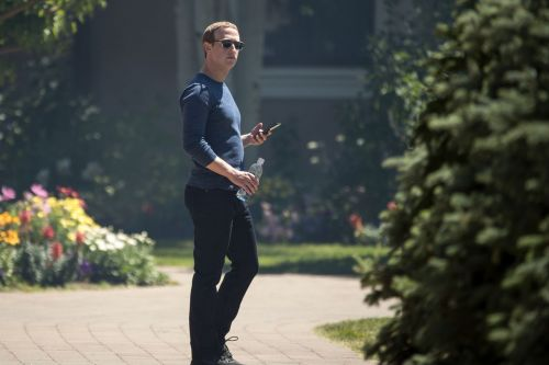 Mark Zuckerberg ordered all Facebook executives to use Android phones