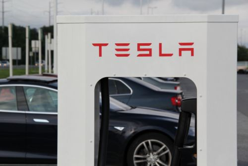 Tesla may bring back free Supercharger access for a limited time to boost sales