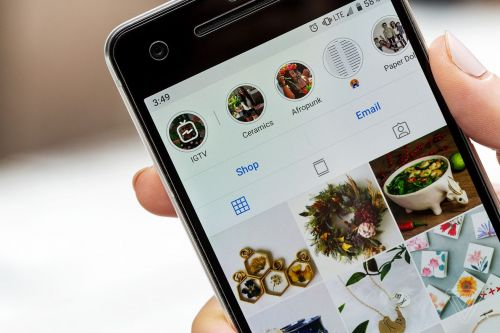 Instagram denies viral claim that it hides most posts from users