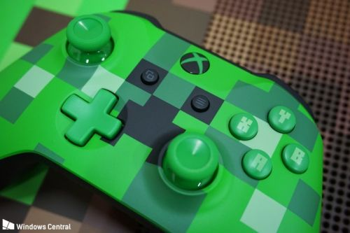 Minecraft Creeper and Pig Xbox One controllers now available