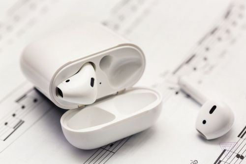 Apple reportedly working on noise-canceling AirPods for 2019 release