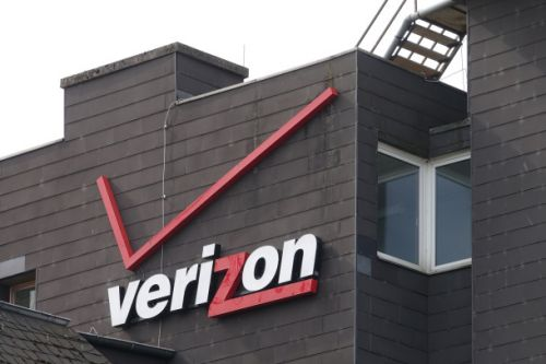 Verizon is giving subscribers free robocall and spam protection tools