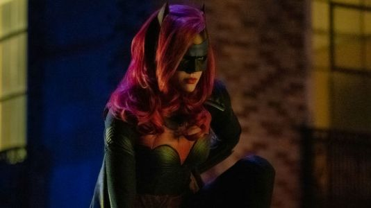 Arrow-verse Elseworlds Crossover: 20 Photos Of The Massive Event