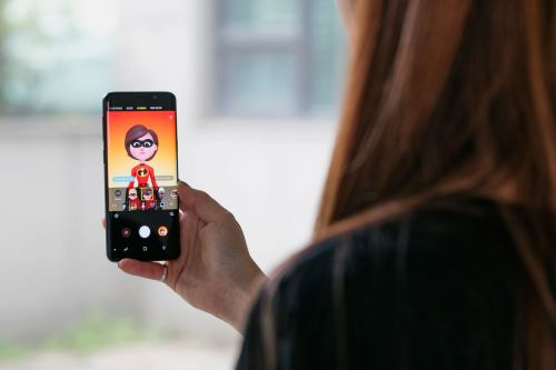 Samsung adds 'The Incredibles' to its AR Emojis