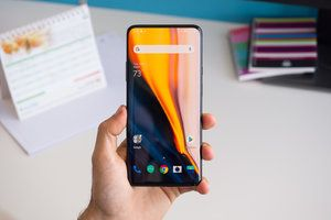 Is the OnePlus 7 Pro display hurting your eyes? You're not the only one