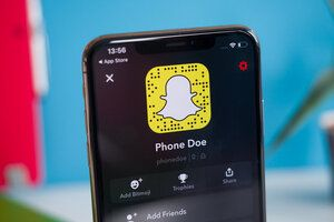 Snapchat adds an AR circle to keep people at a distance