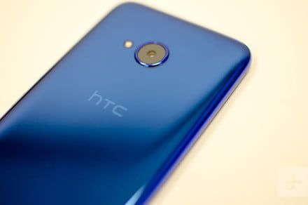 HTC announces U.S. layoffs as smartphone and VR divisions merge