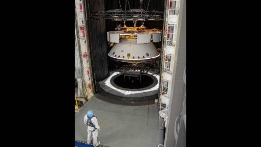 NASA teases completed Mars 2020 spacecraft