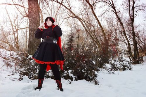 This Ruby Rose Cosplay is Phenomenal
