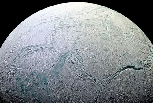 Saturn's frosty ocean moon Enceladus might actually support life