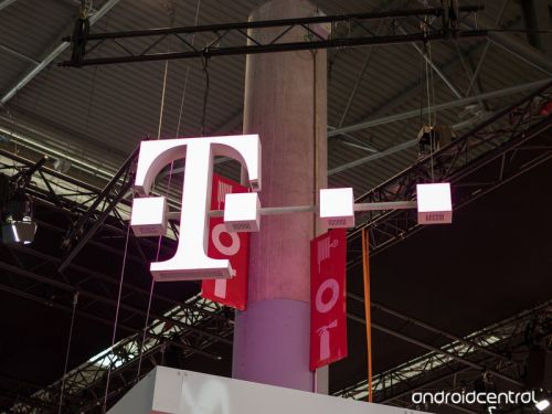 T-Mobile service is down right now for many customers