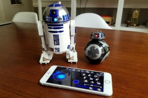 Play with-and program-Star Wars droids with Sphero's new R2-D2 and BB-9E