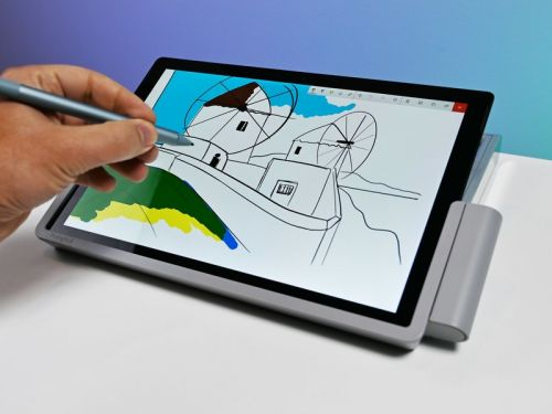 Which Surface Pro models does Kensington's SD7000 Docking Station support?