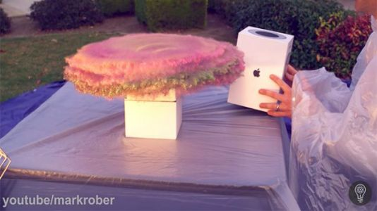 YouTuber Builds Glitter Bomb Trap That Farts on Package Thieves