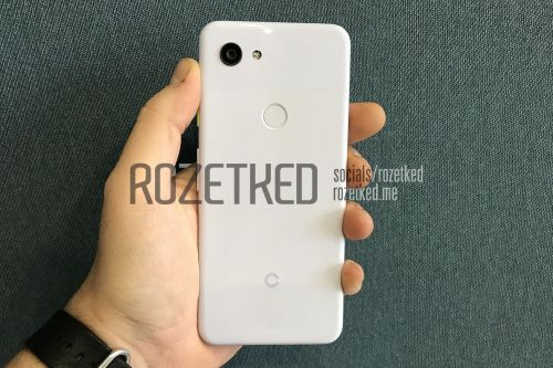 This might be Google's budget Pixel, complete with headphone jack