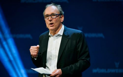 Tim Berners-Lee: 'Stretch' social media users to be friends with people they don't know