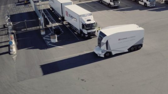 Einride T-pod is a driverless truck you can control remotely via 5G