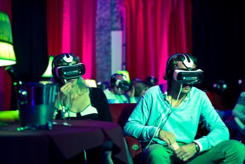 Paramount Pictures Looking at Creating a Virtual Reality Movie Theater Experience