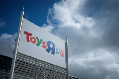 Toys R Us is reportedly shutting down its US stores