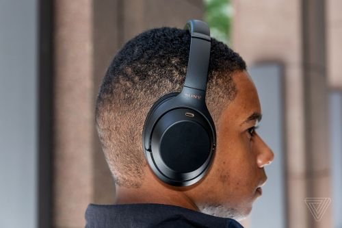 Sony's 1000X M3 headphones have a big problem: cold weather