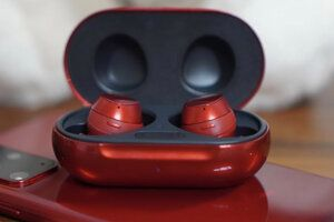 Samsung Galaxy Buds Plus score an audiophile review, and the sound is mixed