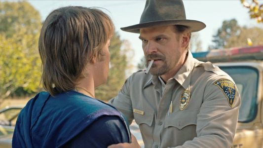 David Harbour on Taking Risks With STRANGER THINGS Season 3 and Teases Hopper's Story