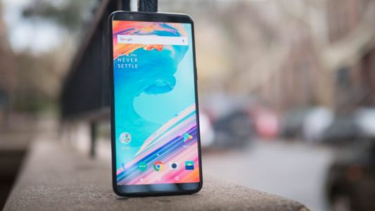 Hands-on: The OnePlus 5T closes the flagship gap with tiny bezels and better photos
