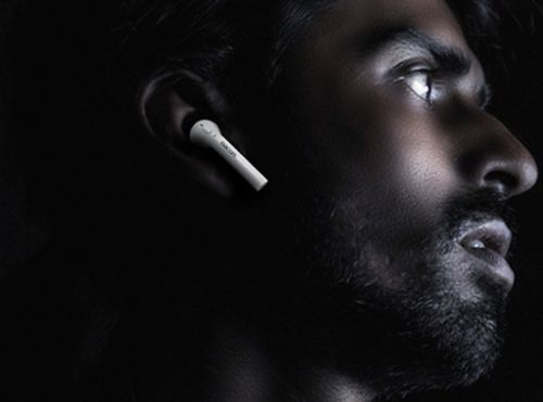 With AirPods out of stock across Europe, speculation regarding AirPods 2 launch builds