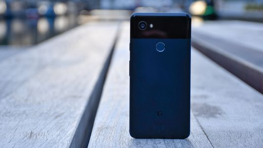 Google sold more Pixel smartphones in 2017 than in 2016 but it's still not enough