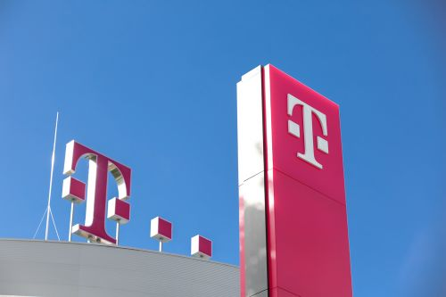 T-Mobile and Sprint parent companies may ditch Huawei equipment to help gain merger approval