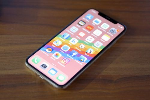 Apple releases iOS 11.1.2, fixes iPhone X cold weather bug