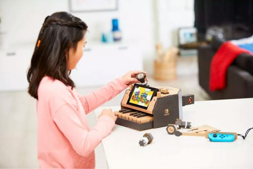 What is Nintendo Labo and how do the Toy-Con accessories work?