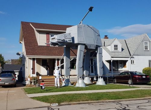 Man Builds a Massive Two-Story AT-AT in Front of His House For Halloween