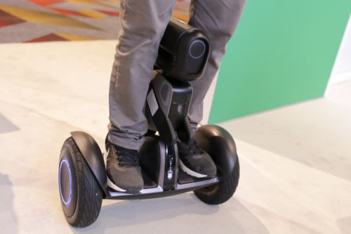Segway Robotics Loomo wants to be your little buddy