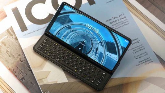 The QWERTY keyboard-toting Ftec Pro1 finally has a release date and price