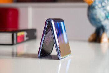 Leaker gives us first details of what Samsung could be planning for the clamshell Galaxy Z Flip 2