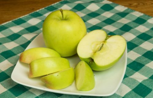 Genetically-modified apples that don't go brown are headed to supermarkets next month