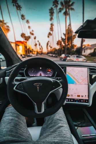 Elon Musk Says Tesla Self-Driving Cars Will Be Completely Autonomous This Year