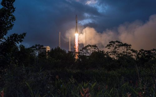Branson-backed OneWeb lands $1.25bn to provide global internet coverage from space