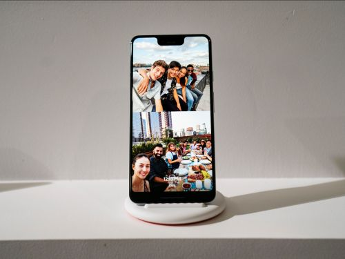 Battle of the big phones: How Google's new Pixel 3 XL compares to the jumbo iPhone XS Max