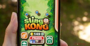 Become the king kong slinger in 'Sling Kong'