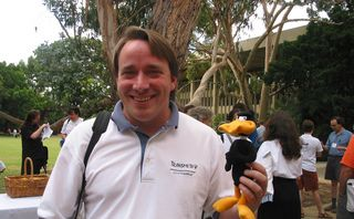 As Linux 4.19 is released, a new and improved Linus Torvalds returns