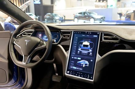 Don't trust Tesla's new automatic lane-changing feature, Consumer Reports warns