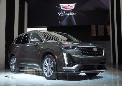 Familiar SUV style hides the 2020 Cadillac XT6's big secret