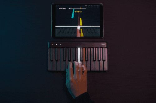 A light-up keyboard from Roli teaches you to play piano like it's Guitar Hero