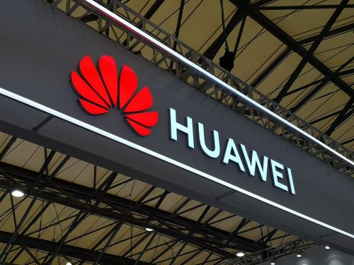 Huawei will give $285 million bonus to employees for enduring the US ban