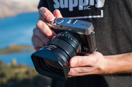 What is a mirrorless camera, and what makes it different from a DSLR?