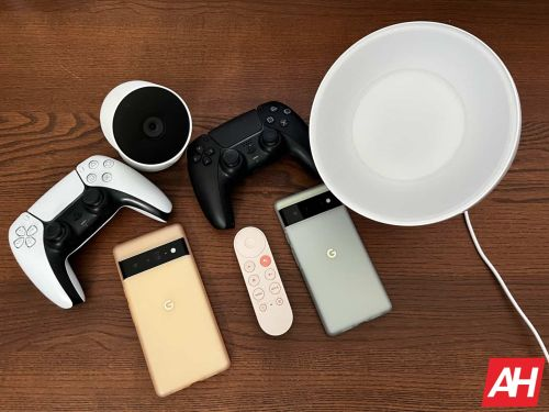 The Ultimate Holiday Gift Guide 2021: Smartphones, Headphones, Tablets & More