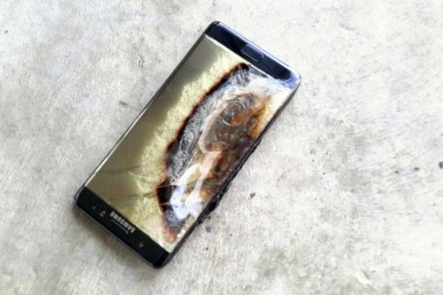 Man dies after his smartphone explodes and catches fire in his bedroom
