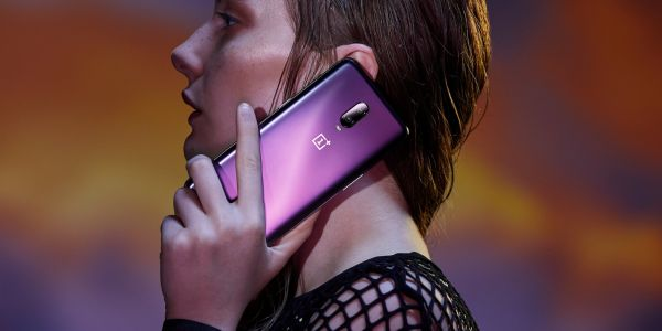 A $580 phone from a small smartphone maker that competes against Apple and Samsung has been selling out at around 50% of T-Mobile stores nationwide